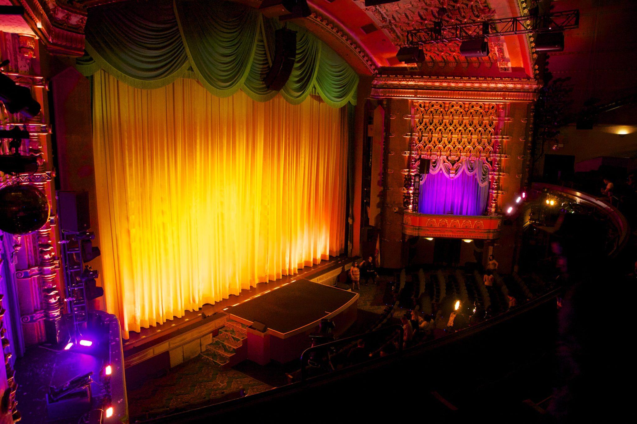 The El Capitan Movie Theater