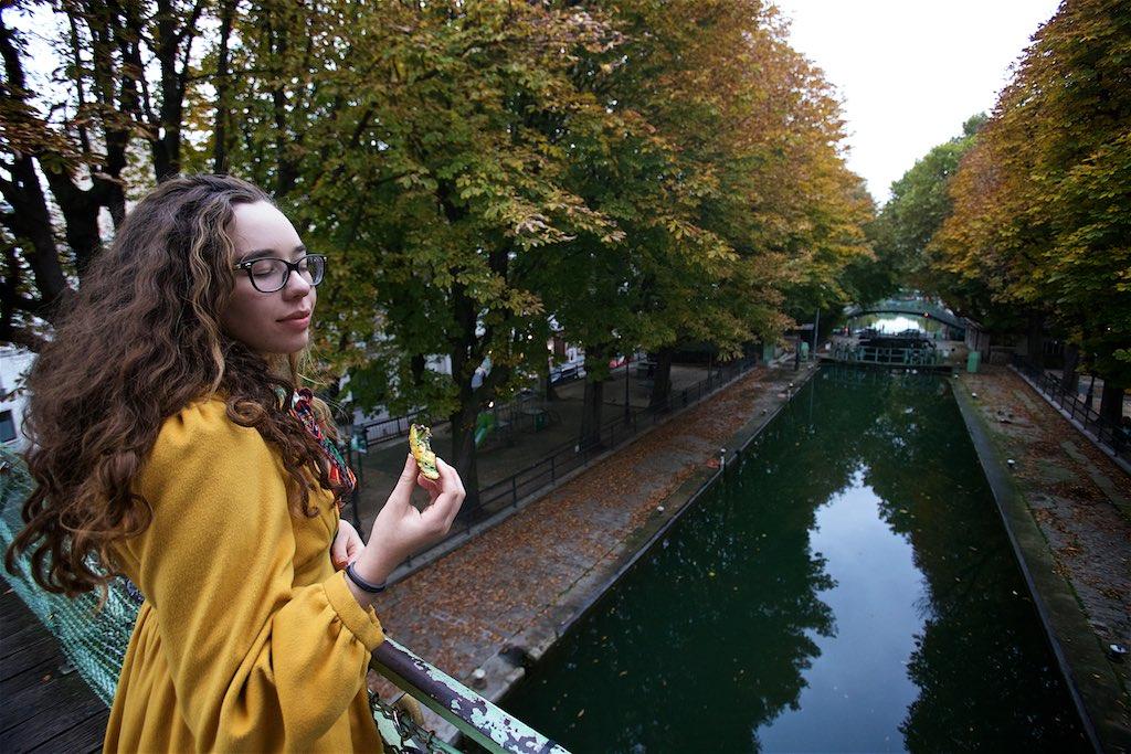 Strolling the canals of Paris, Amelie bridge with a L'escargot chocolat pistache from Du Pain et des Idees